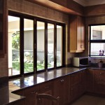 5-Door-Full-Pane-Folding-Window-on-Counter